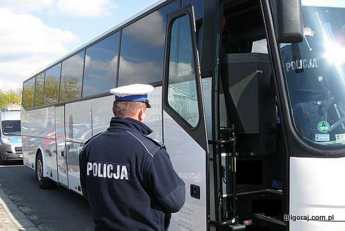 kontrola_autokarow_policja.jpg