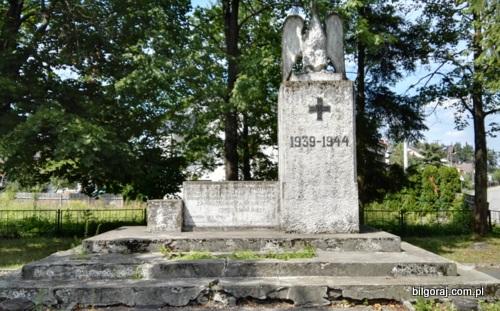 pomnik_przy_ulicy_gronczewskiego.jpg