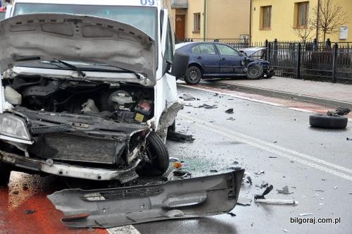 wypadek_drogowy_ulica_dluga.JPG