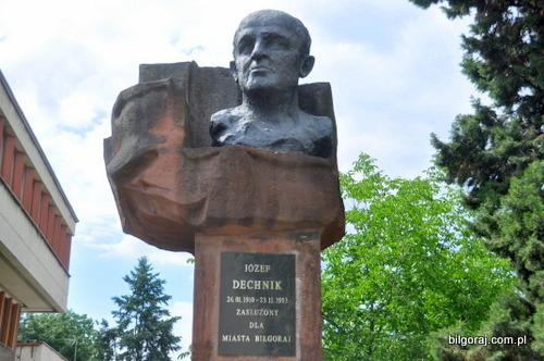 pomnik_dechnik_jozef_podpisy.JPG