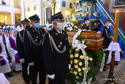 ks_kolano_pogrzeb.JPG