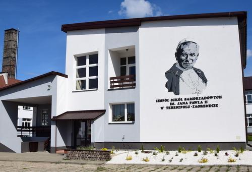szkola_w_tereszpolu.JPG