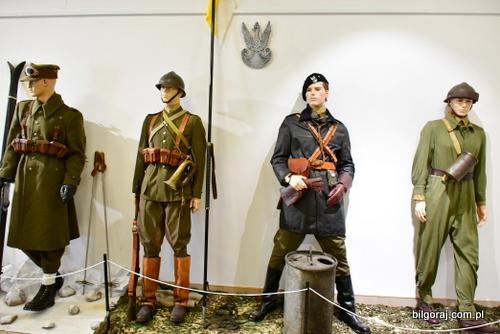 wystawa_mundury__1_.JPG