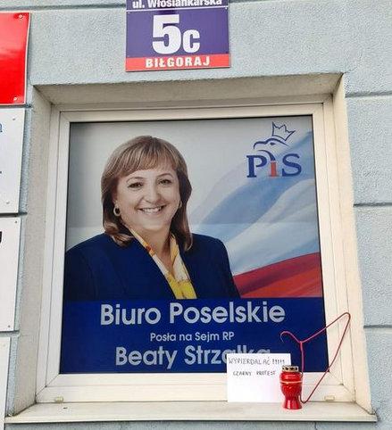 biura_poselskie_protest__1_.jpg