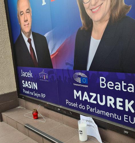 biura_poselskie_protest__2_.jpg